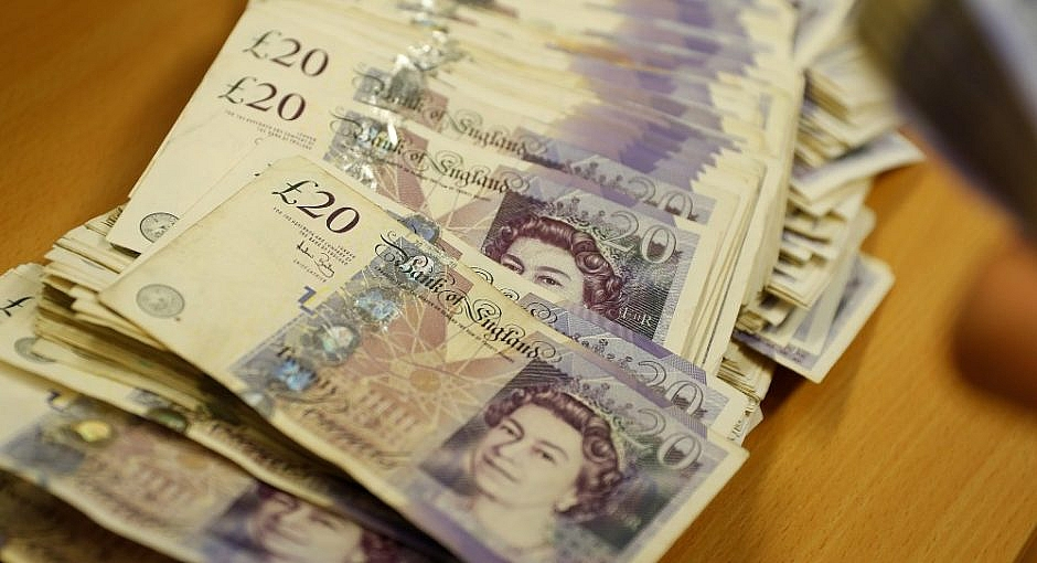 Pound Notes in a Row